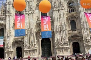 #PremiumChampions, il flash mob in Piazza Duomo con l'inno della Champions