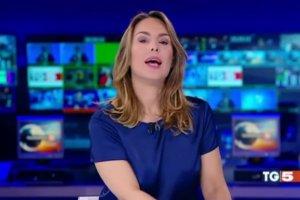 Accordo Sky - Mediaset - Annuncio TG5 del 30/3/2018 ore 20:00