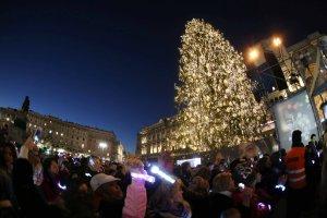 #Natallegria - Accensione Albero Natale 2017 Sky Italia in Piazza Duomo a Milano
