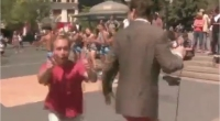 Video vero o è un fake? Giornalista in diretta rimane in mutande