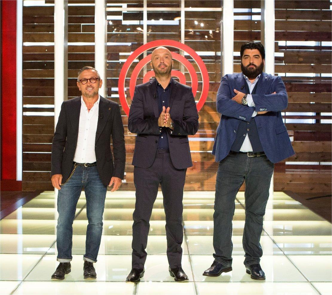 Celebrity Masterchef Italia: streaming, repliche, cast …