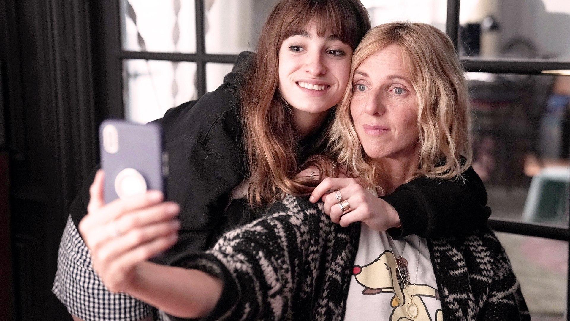Domenica 20 Settembre 2020 Sky Cinema HD, Selfie di Famiglia