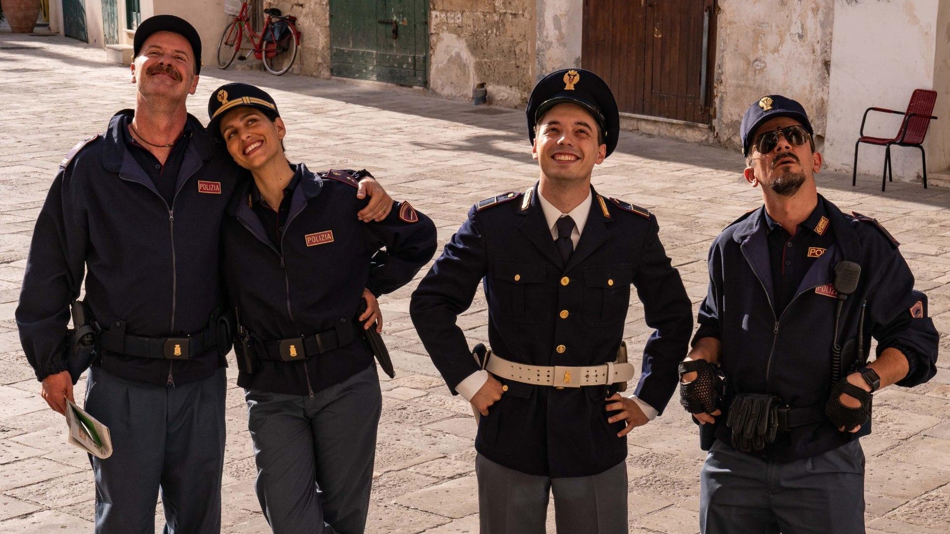 Lunedi 21 Dicembre 2020 Sky e Premium Cinema, Cops (La stretta dell'Anaconda)