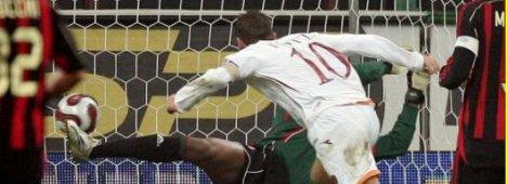 Guida alla 9a giornata Serie A: c'� Milan-Roma a San Siro, senza Totti