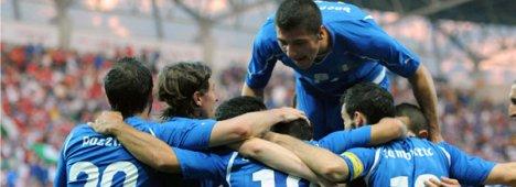 Primo Piano: Sudafrica 2010, inizia il ''nostro'' Mondiale: Italia - Paraguay (Rai1 e Sky)