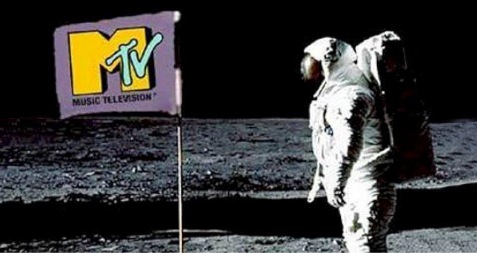 Sky Italia acquista da Viacom il canale 8 del digitale terrestre