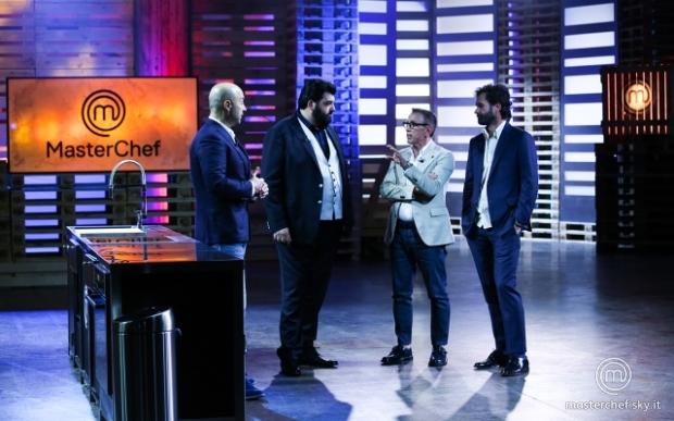 Nella sera della Vigilia MasterChef Italia (Sky Uno) al centro delle conversazioni social