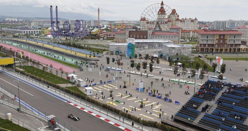 F1 Russia 2016, Gara - Diretta esclusiva Sky Sport 2 HD, Sky Sport F1 HD. Differita Rai 2