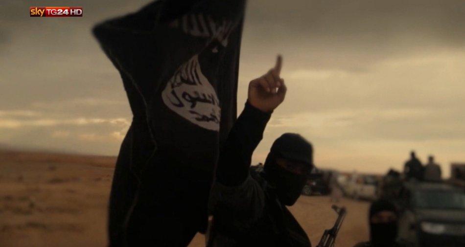 Fuga dall'Isis, su Sky TG24 un eccezionale reportage sulla fuga dal califfato