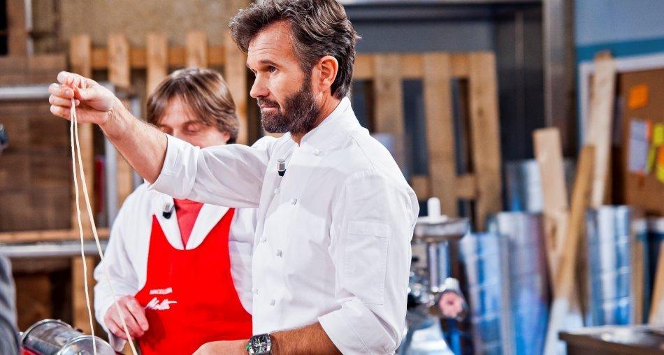 Su MTV8 in prima tv in chiaro Hell's Kitchen Italia 2a edizione con il severissimo Carlo Cracco