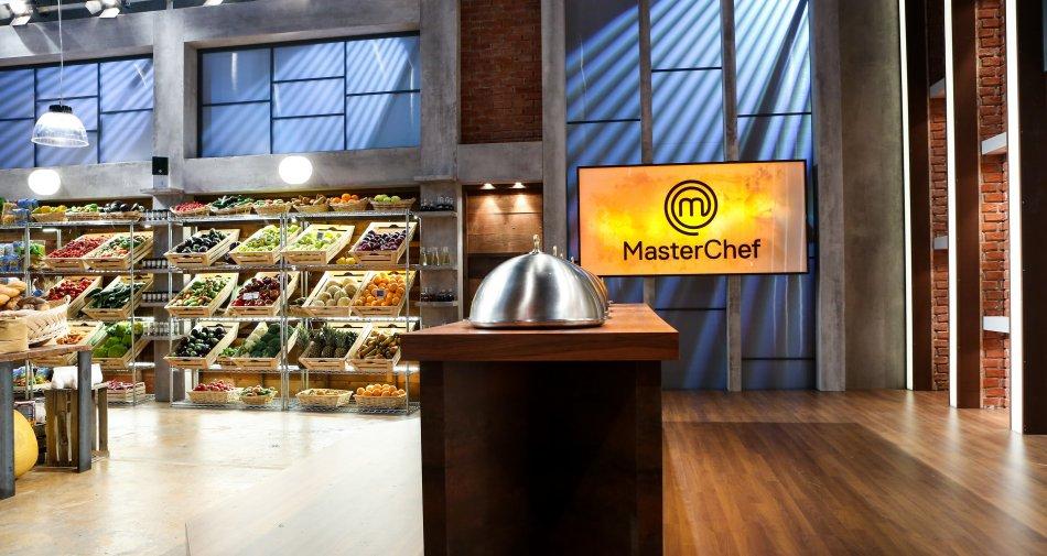 MasterChef Italia, stasera su Sky Uno HD libertà assoluta in cucina per gli aspiranti chef