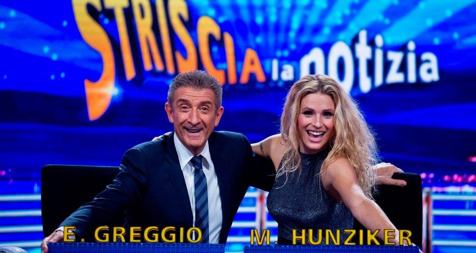 Torna  Michelle Hunziker al fianco di Enzo Greggio a Striscia la Notizia