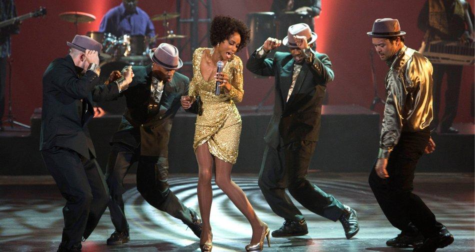 Omaggio a Whitney Houston, su Sky Cinema la vita tormentata dal successo al tragico declino