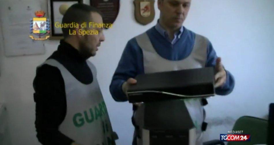 Truffa a Sky e Mediaset, abbonamenti via iptv a basso costo: 240 persone denunciate
