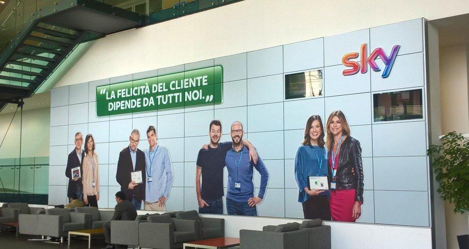 Sky Italia impegnata alla ricerca della felicità dei propri clienti