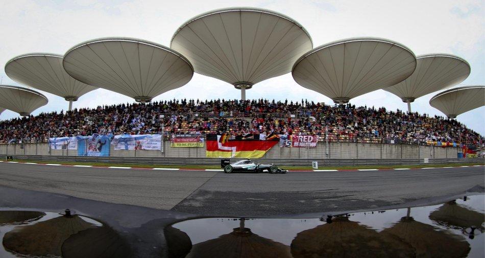 F1 Cina, Gara - Diretta ore 8 su Sky Sport 1 HD, Sky Sport F1 HD e Rai 1 HD
