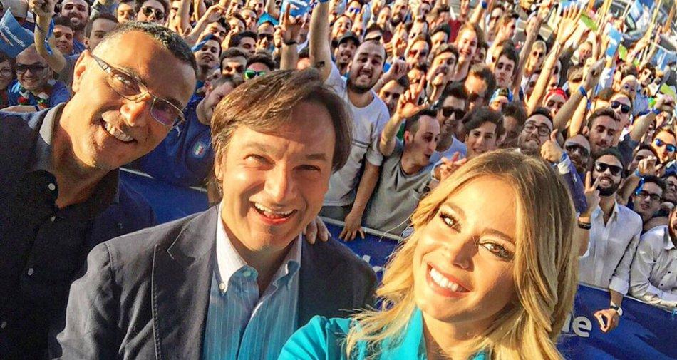 Europei 2016 su Sky: il primo #SkyEuroSelfie con Beppe Bergomi, Diletta Leotta e Fabio Caressa