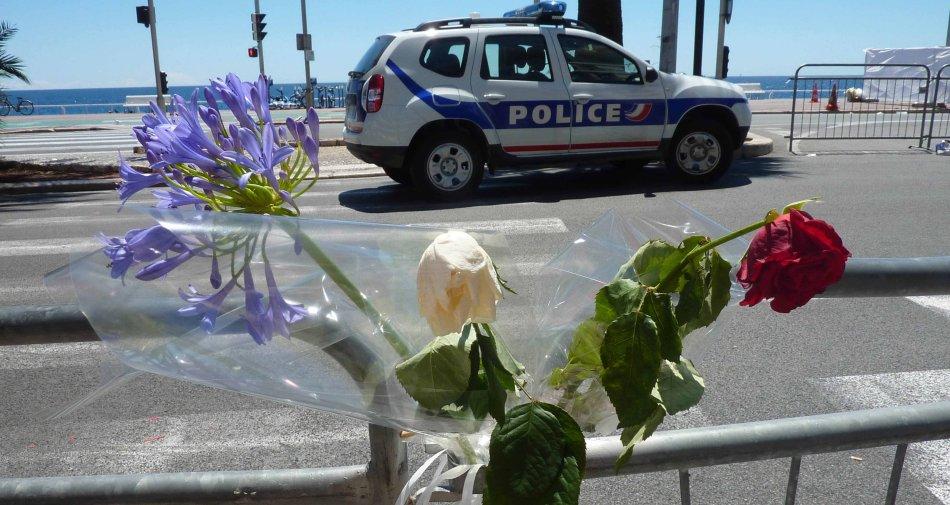Strage Nizza, France 2 travolta dalle critiche. In Italia prevale la prudenza