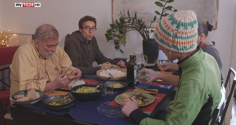Sky TG24 HD, Mini Size Me, la svolta di Pio. Siamo quello che mangiamo. Ma è davvero così?