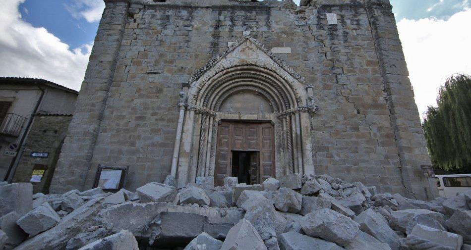 Terremoto Centro Italia, le variazioni alla programmazione tv con le notizie in diretta