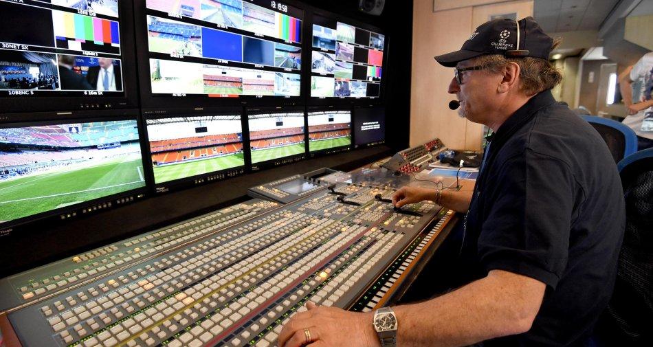 Mediaset, Ubs vede opportunità per Murdoch. Cattaneo pontiere con Bolloré
