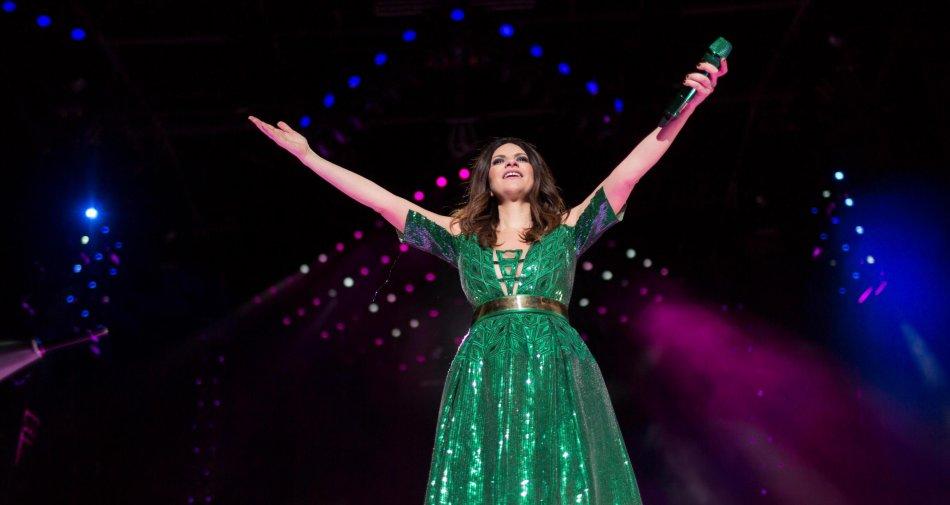 Laura Pausini da San Siro apre la stagione dei grandi concerti su Canale 5. Poi Modà, Pooh, Il Volo