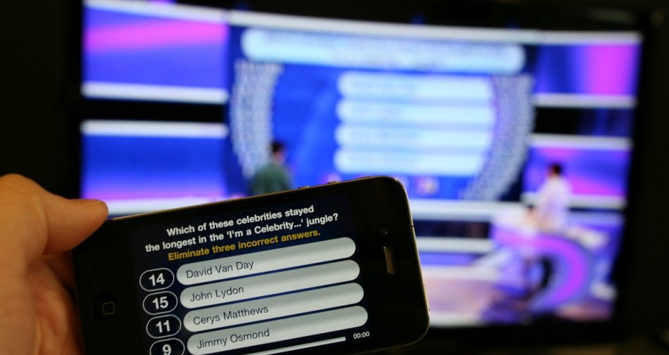 Social Tv, nel mese di Agosto 6 milioni di utenti hanno parlato di tv su Facebook e Twitter