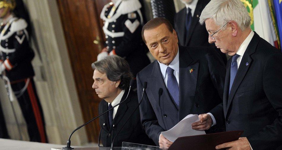 La rabbia di Silvio Berlusconi: «Prendo le redini Mediaset». Anche il PD contro scalata Vivendi