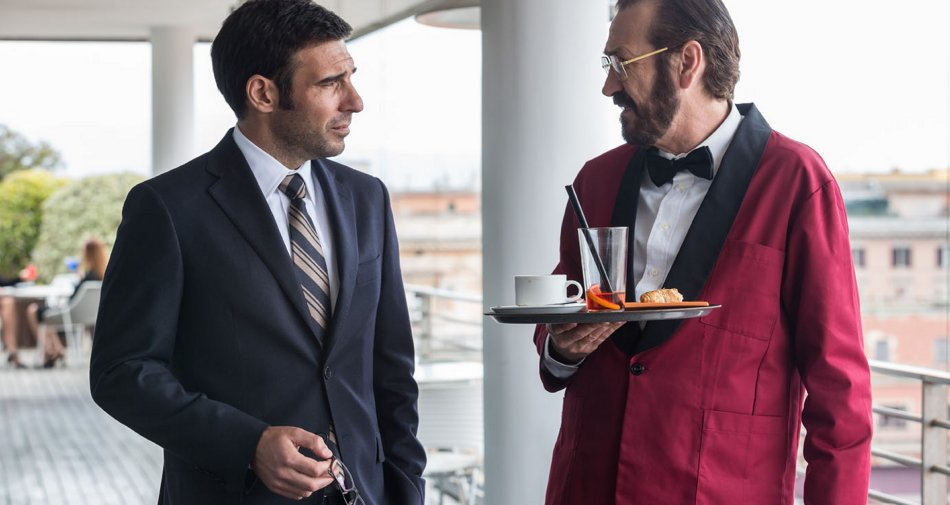 Loro Chi? con Giallini e Leo in prima tv assoluta stasera su Premium Cinema HD
