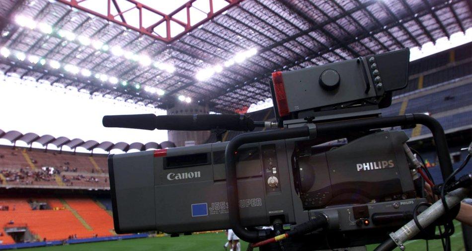 Diritti Tv Calcio, sfida per la Serie A spezzatino ma Tim non sembra interessata