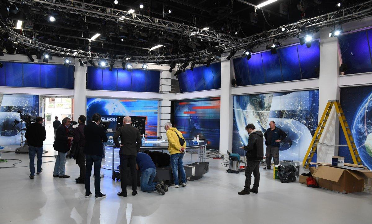 Canale 5, tante novità! Nuovo logo e marchio di rete e restyling per TG5