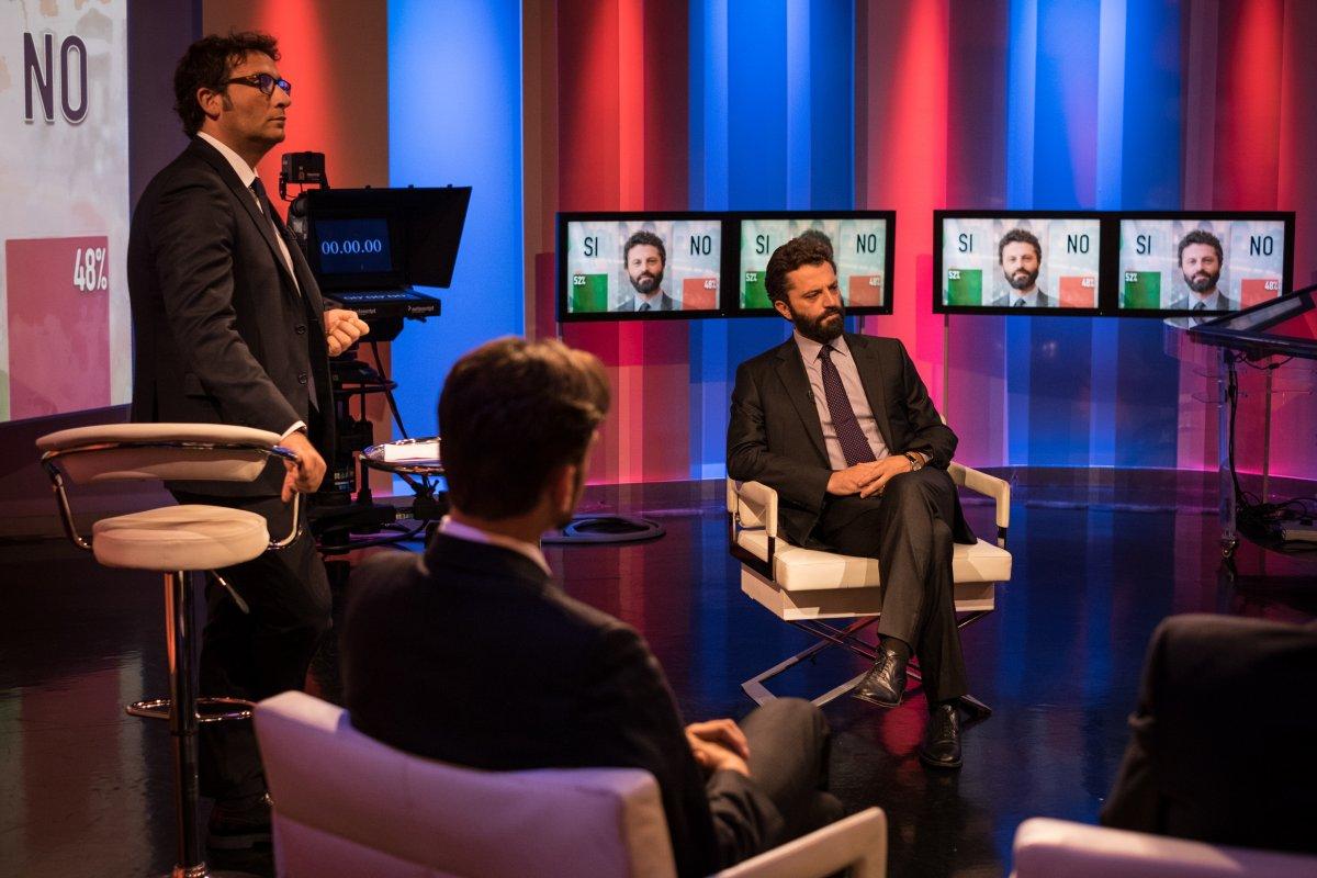 Il Miracolo, stasera su Sky episodi 3 e 4. Dalla Calabria a Roma, il mistero si infittisce