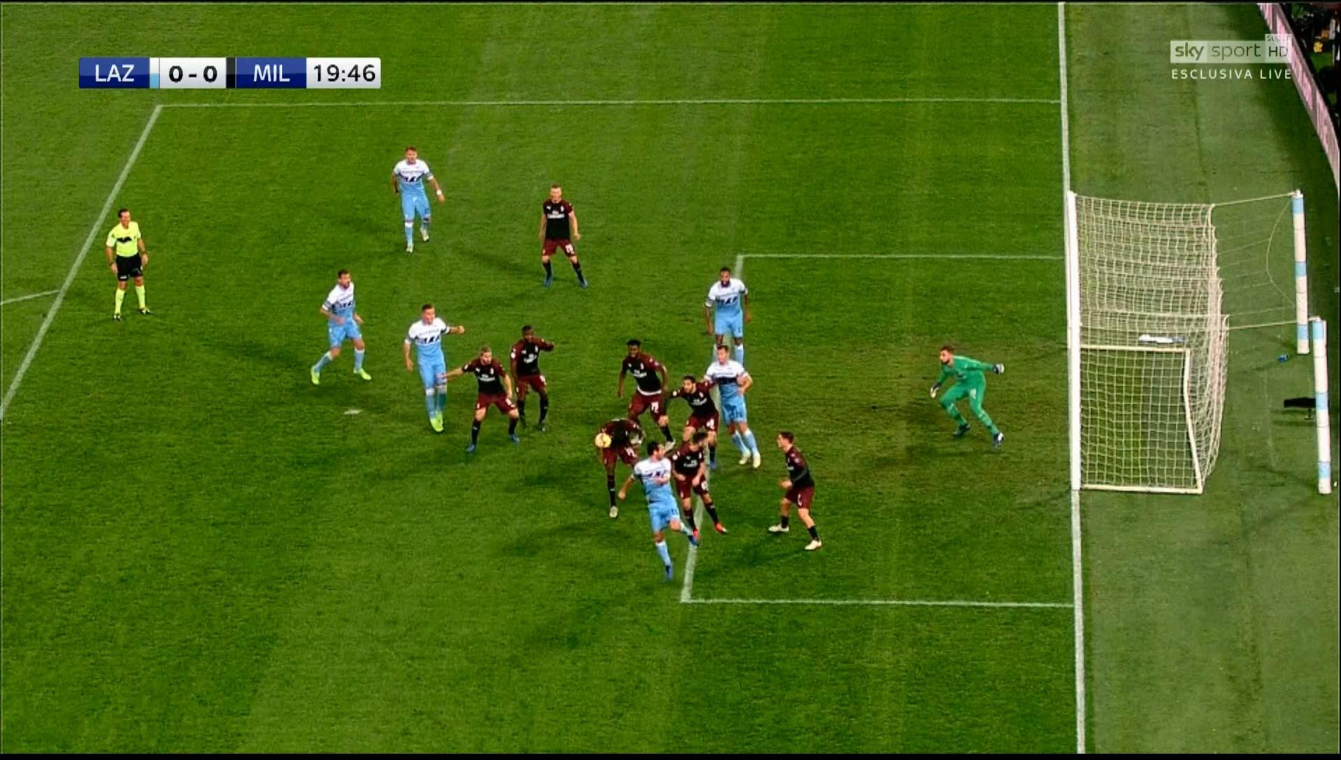 Il Milan prende posizione: «No alla pirateria degli eventi sportivi in diretta».