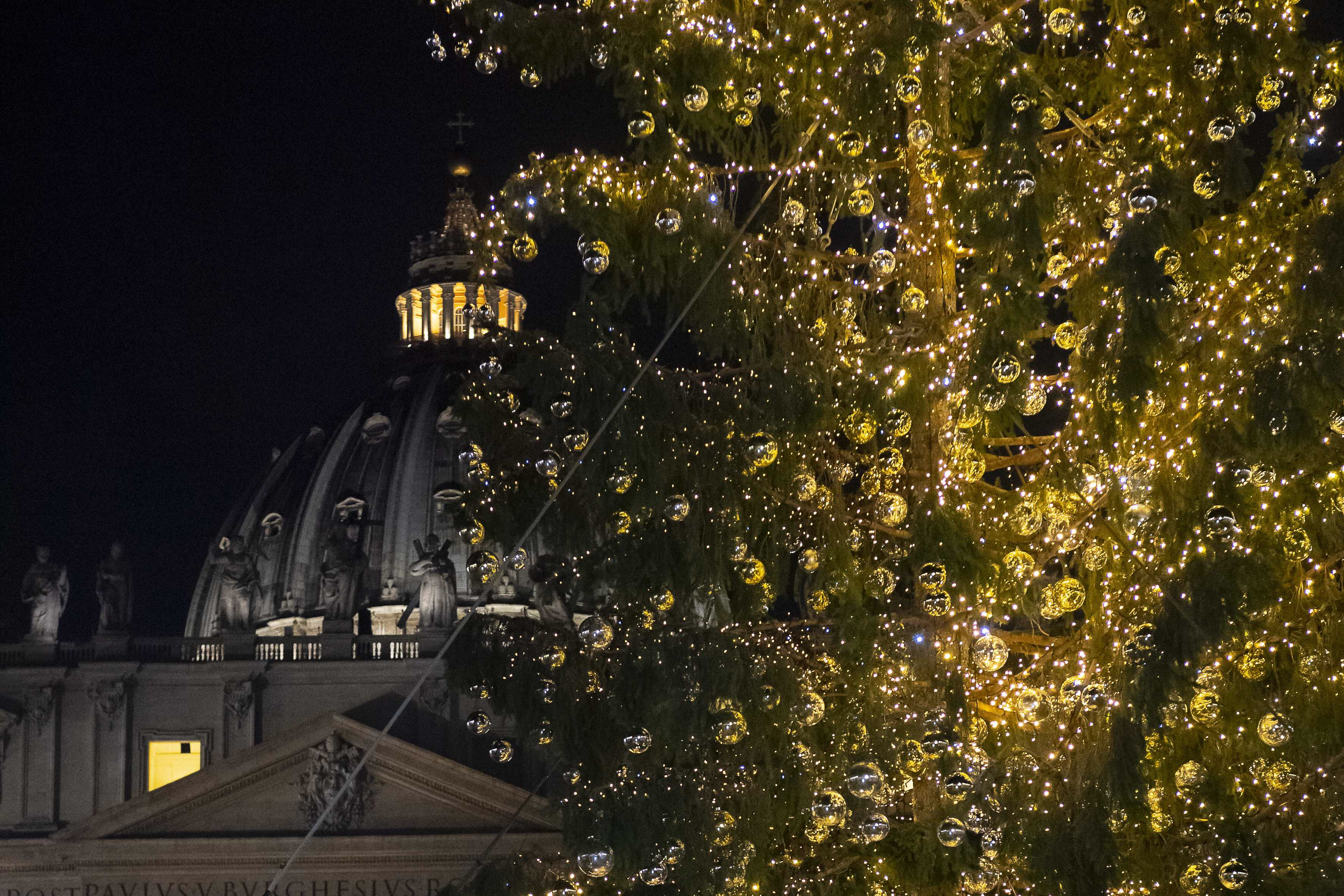 Eutelsat, la Messa della Notte di Natale in mondovisione su Rai 4K via TivùSat