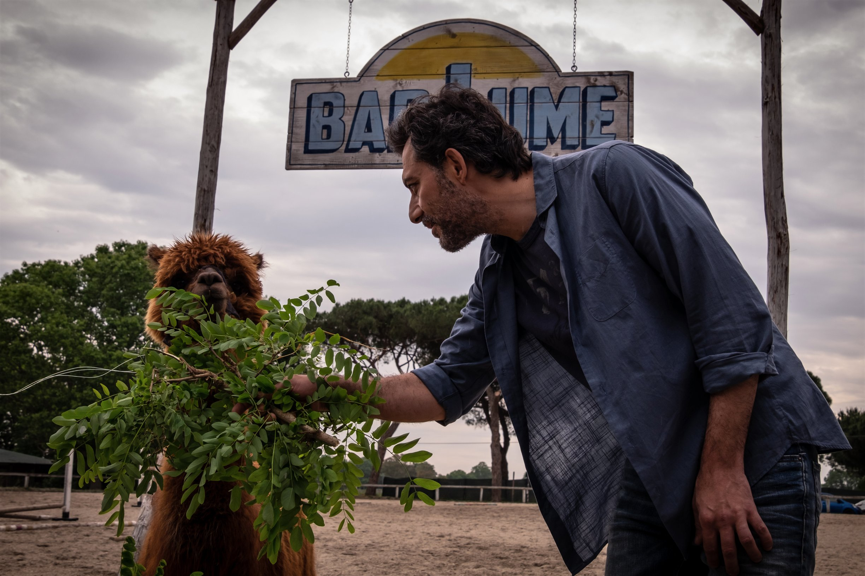 I Delitti del BarLume, stasera su Sky Cinema «Hasta pronto Viviani!»