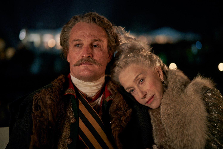 Catherine the Great (Sky), nuova immagine Helen Mirren al fianco Jason Clarke