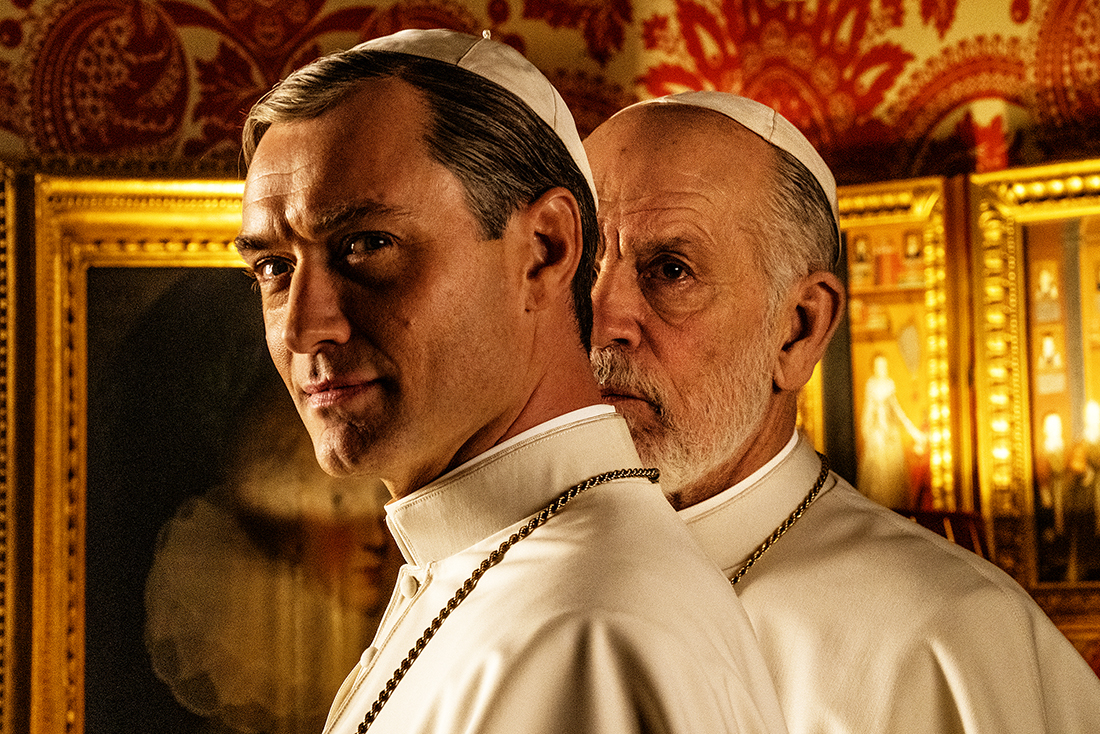 The New Pope | Sky, la prima foto con Jude Law e John Malkovich