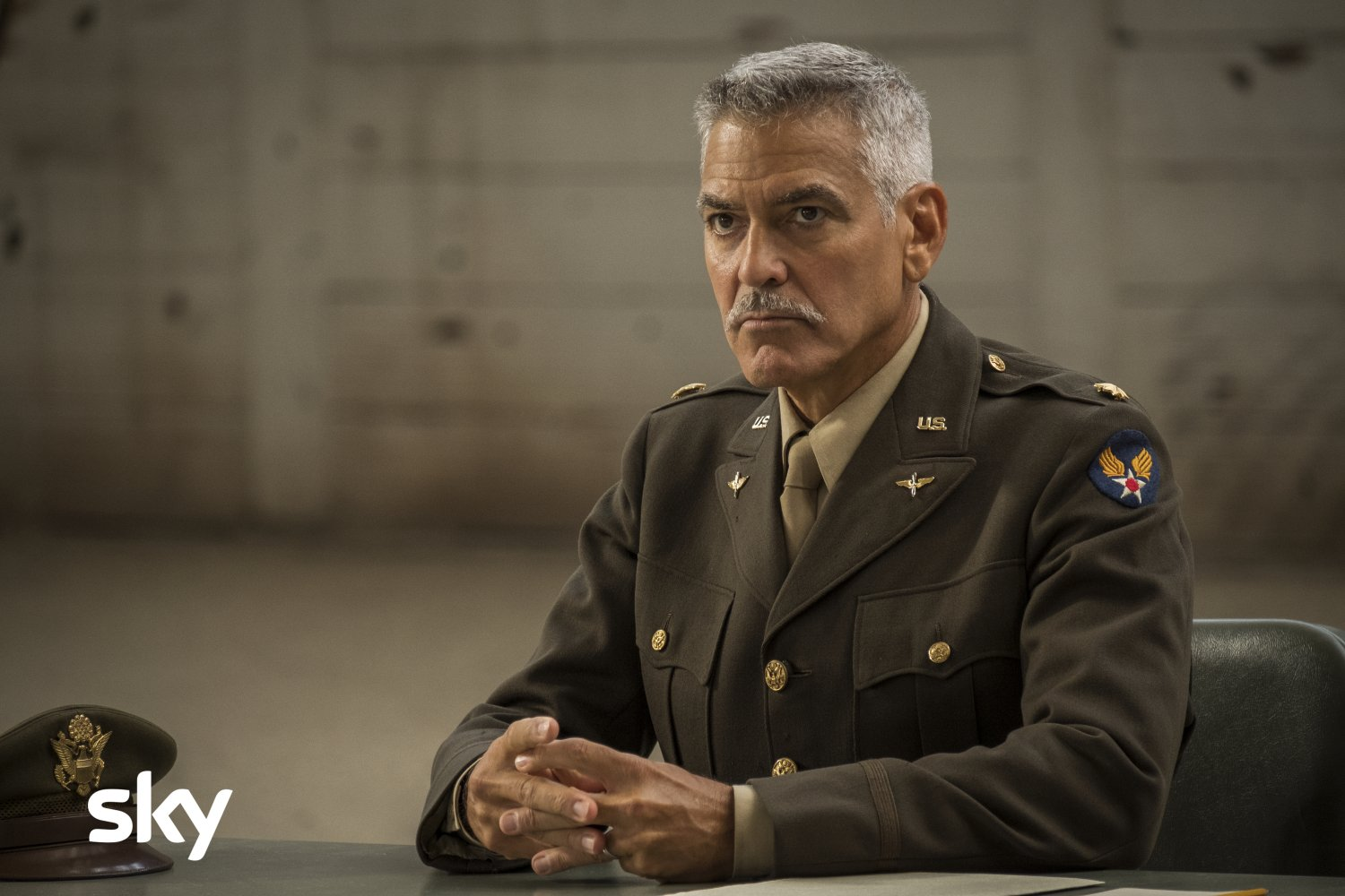 Catch-22, al via su Sky Atlantic e Sky Cinema con George Clooney