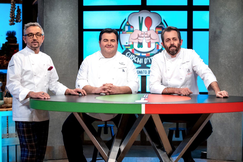 Le nuove puntate su TV8 dei Cuochi d'Italia e Guess My Age