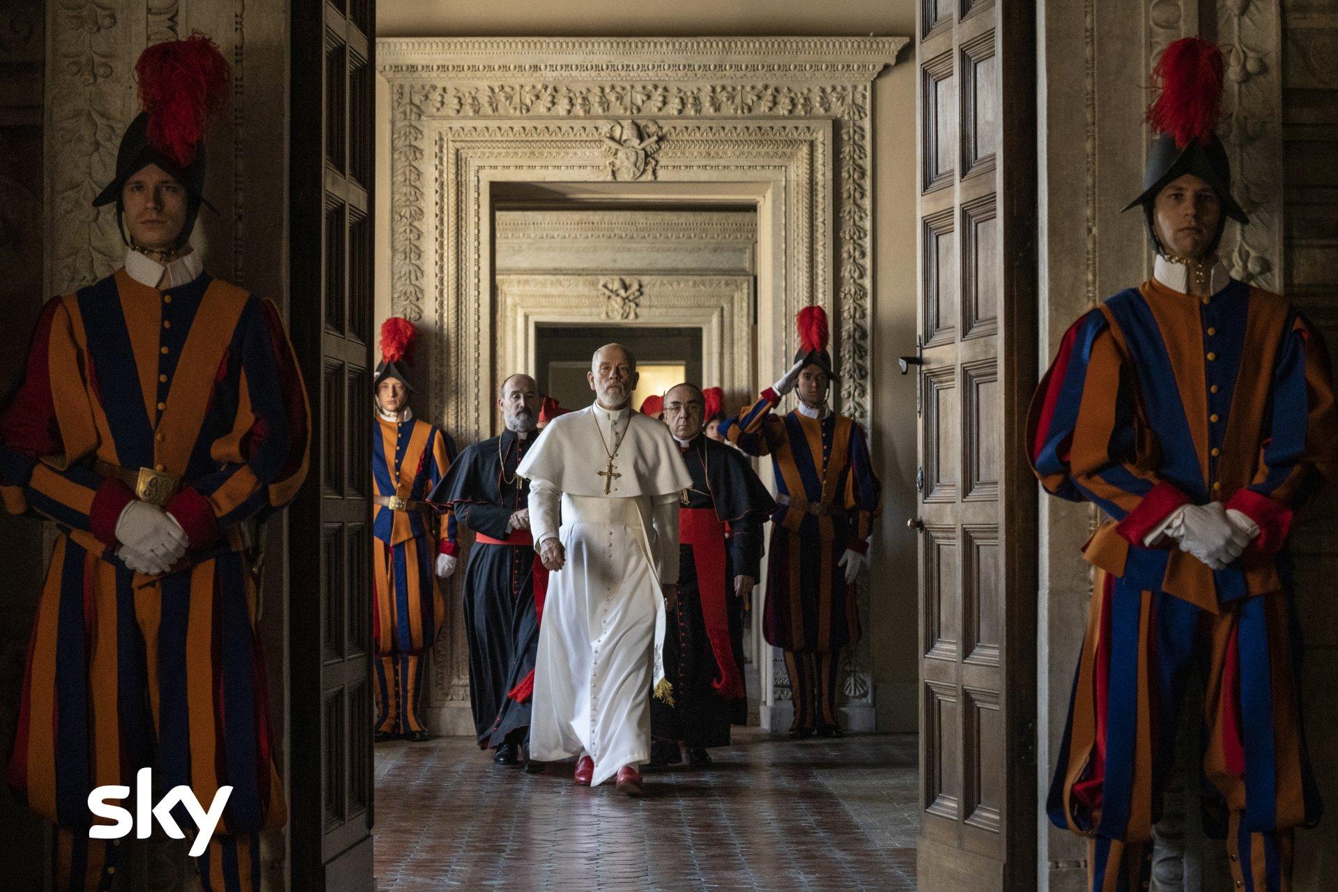«The New Pope» su Sky Atlantic. La resa dei conti Pio XIII vs Giovanni Paolo III