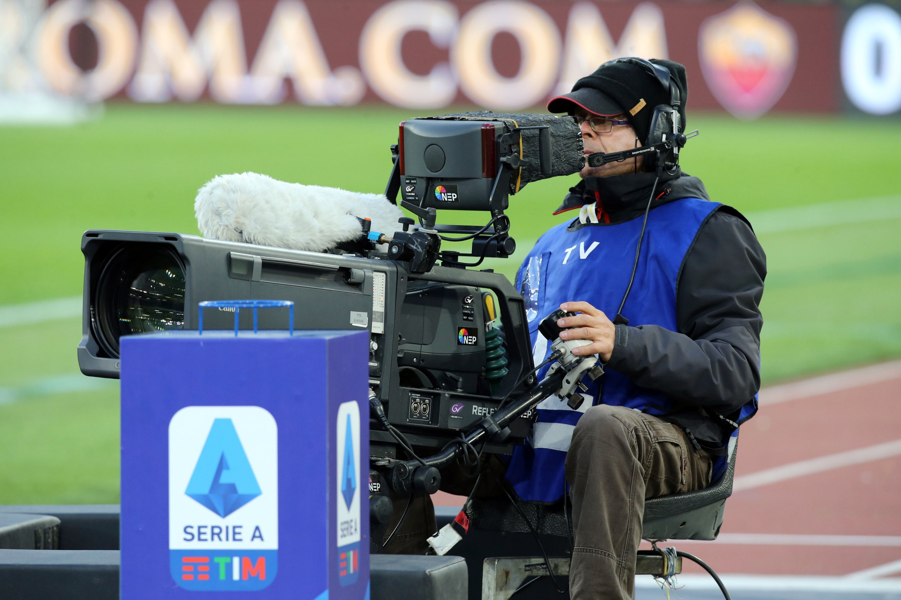 Coronavirus, 5 gare a porte chiuse in Serie A (Juventus-Inter) e date recuperi
