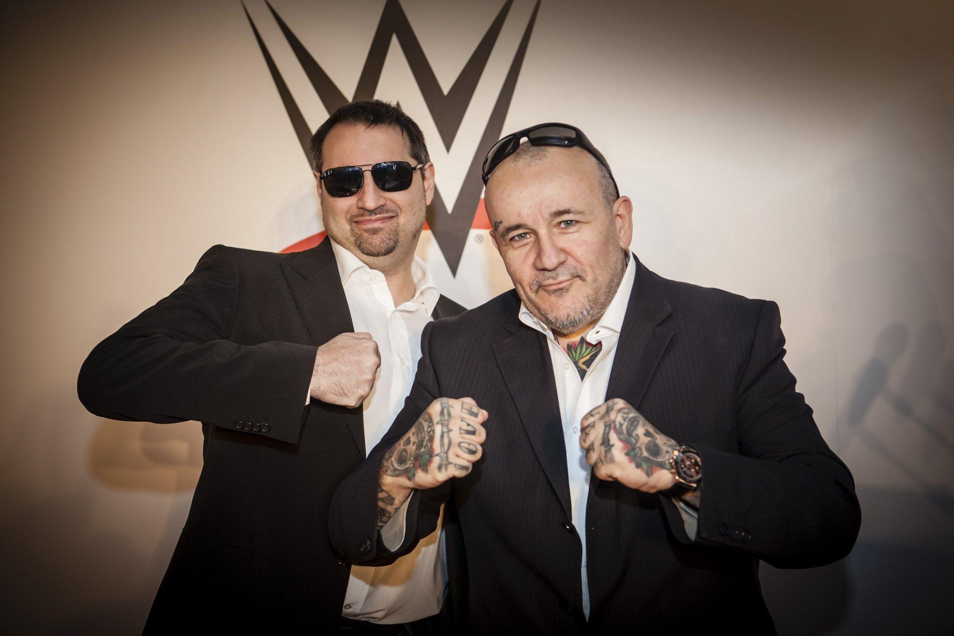 WWE RAW, Smackdown e NXT in italiano su DMAX, con Franchini e Posa