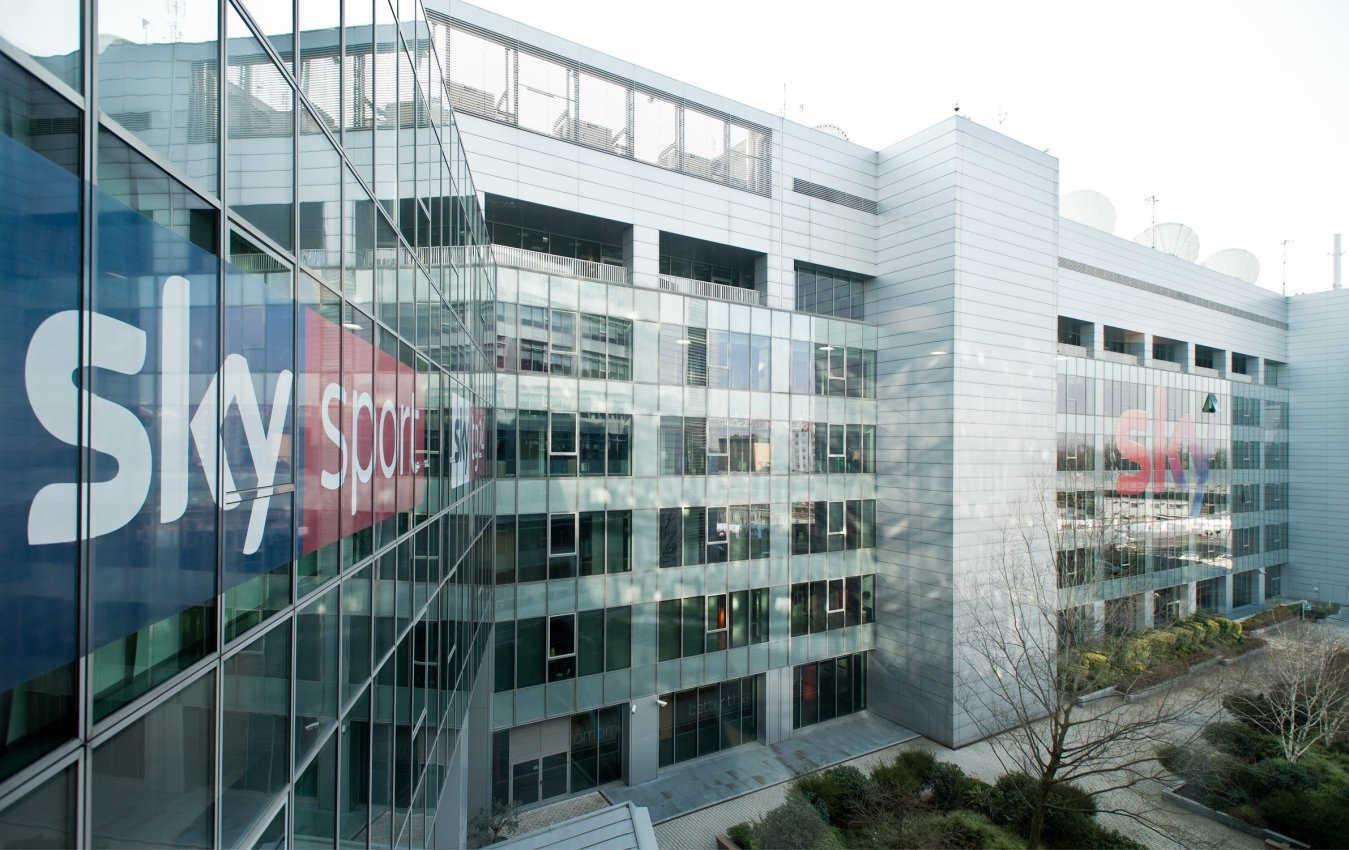 Sky rivede offerta commerciale, nascono i listini Sky Smart e Sky Open