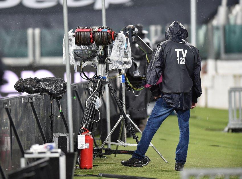 Diritti Tv Serie A 2021 - 2024, oggi nuovo round. Scontro Sky e DAZN