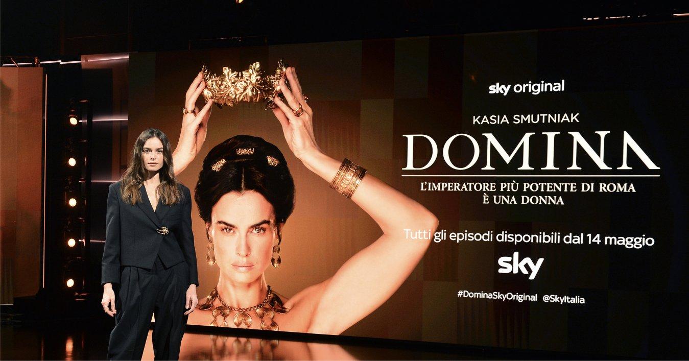Domina, su Sky e NOW tutti gli episodi del period drama (anche in 4K HDR)