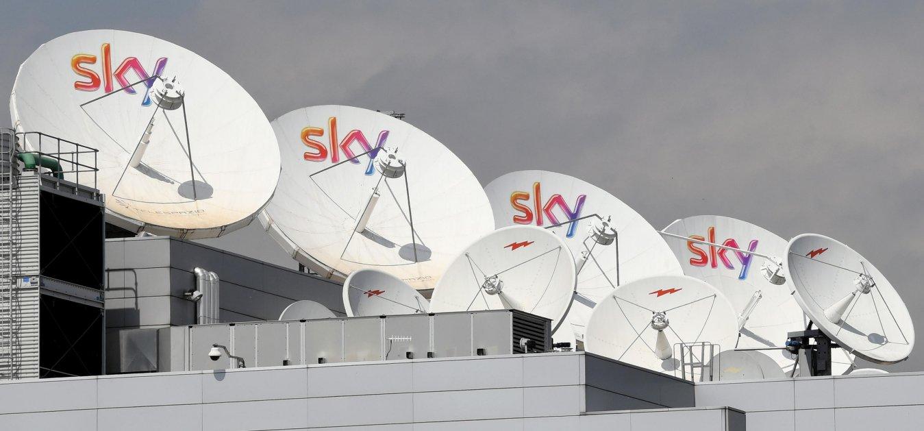 Diritti Tv Serie A 2021 - 2024, offerta da 500 milioni di Sky a DAZN