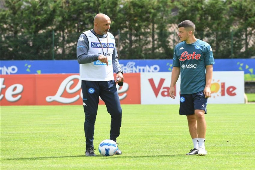Calcio, amichevoli oggi su SKY con Napoli, Cagliari, Atalanta, Genoa, Roma e Milan